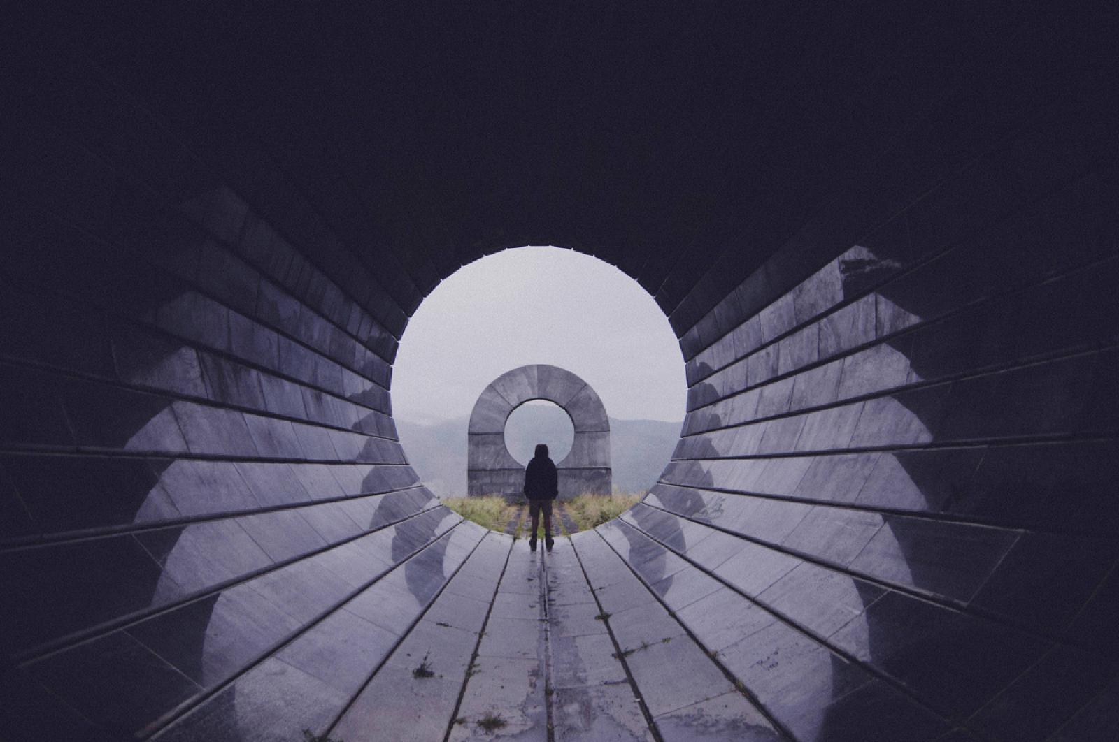 Photography image - Loading DT_Spomenik_3.jpg