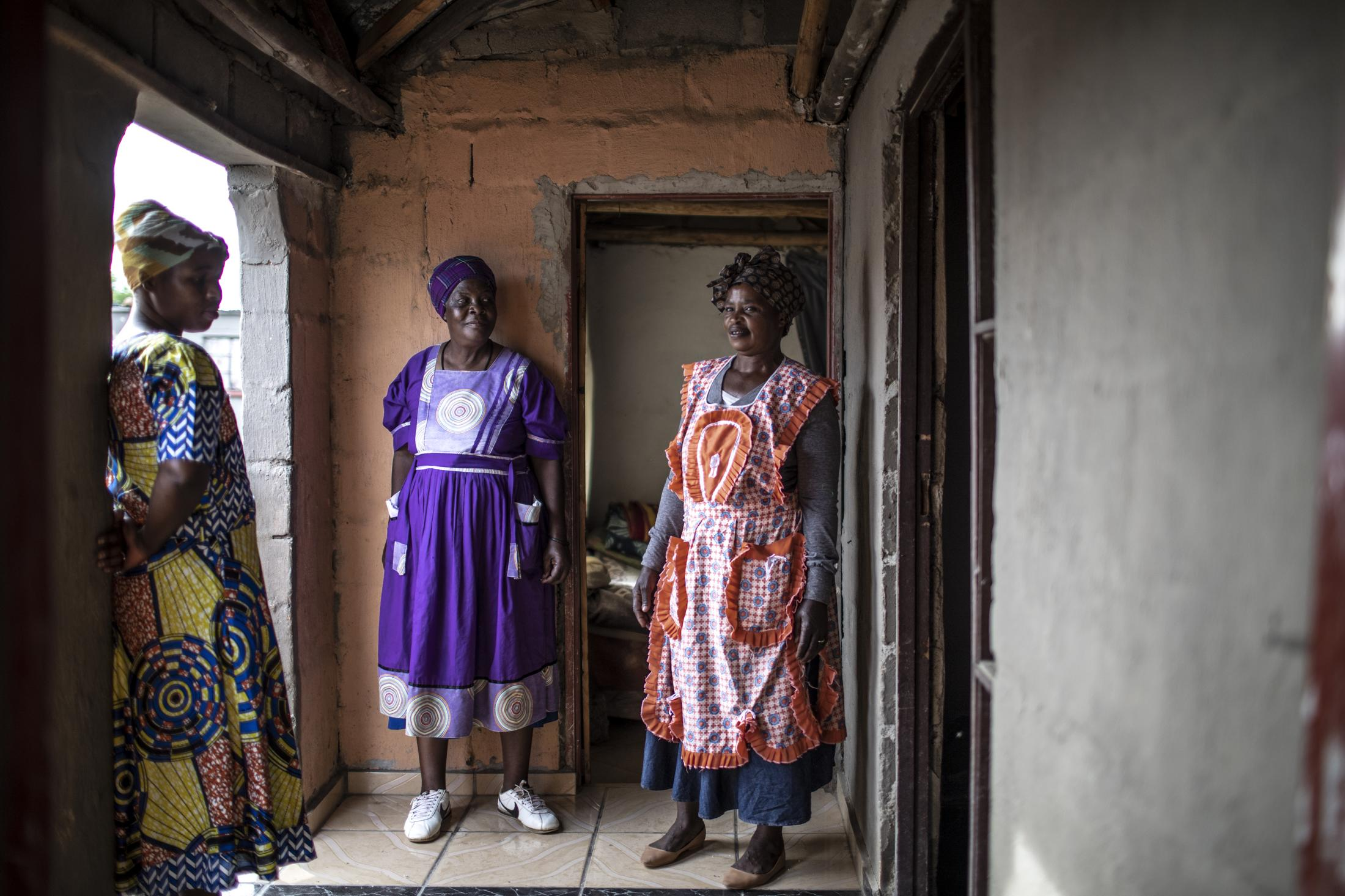 17 February 2020: (L to R) The women of the Vilakazi household, Nomfundo Vilakazi, Nobenguni Vilakazi and Denisile Vilakazi are pictured at their home in Watersmeet, Ladysmith, Kwa-Zulu Natal.