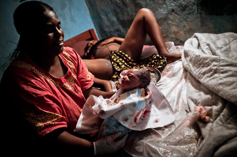 девушка родила от африканца после курорта - 12