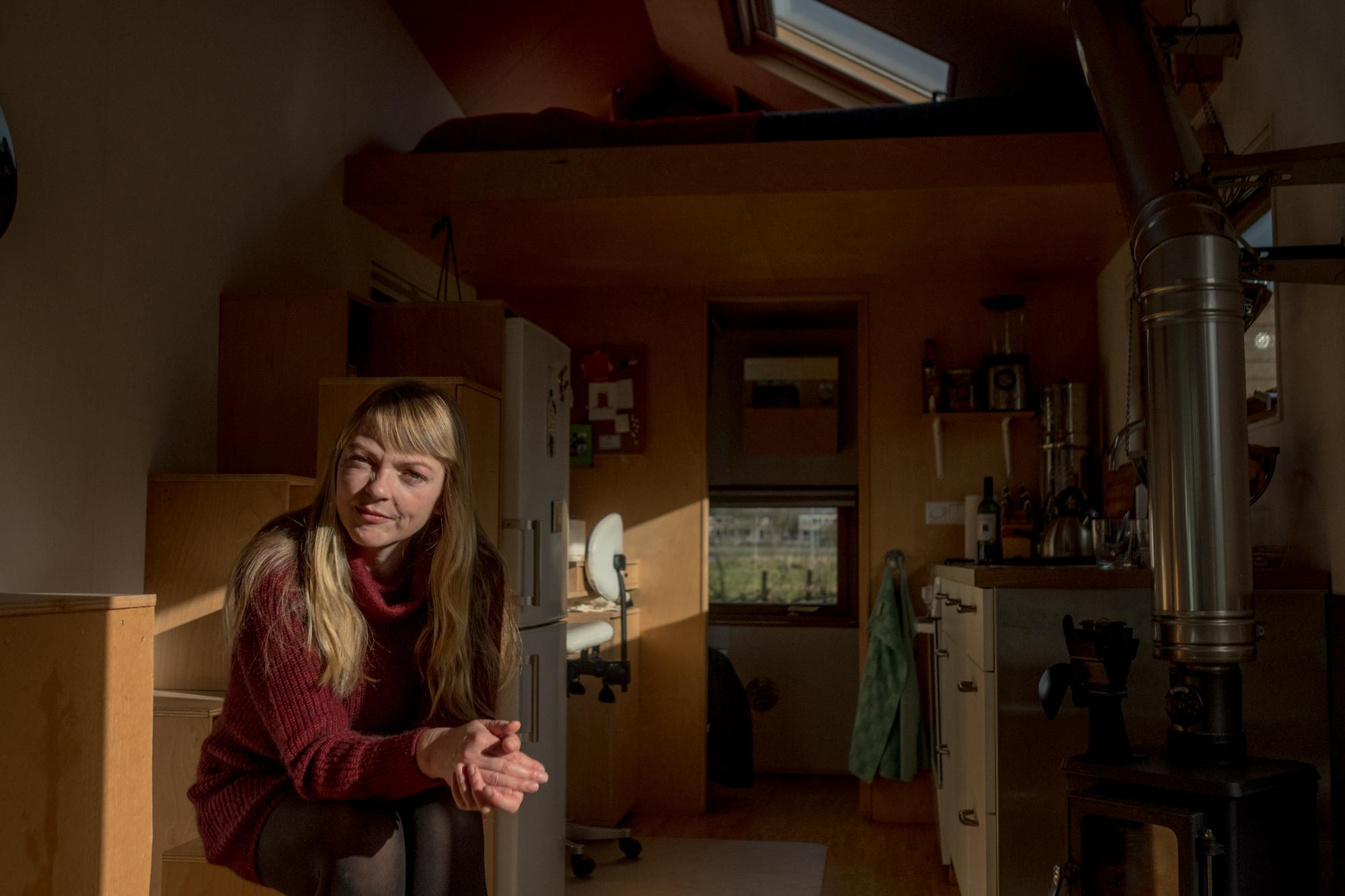 Marjolein Jonker, founder of the Tiny House Movement, is one of the Dutch pioneers and among the first ones to live in a tiny house.