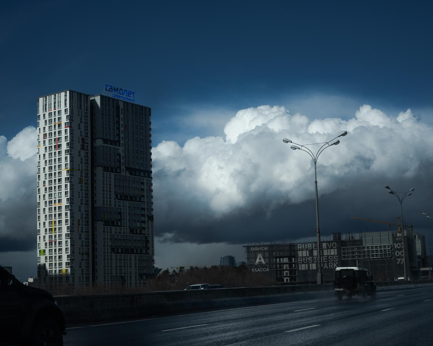 Unusual skies and behaviors of the weather in Moscow since the confinement period. The air got much cleaner, much more transparent. Moscow. Russia. April 2020. © Stoyan Vassev