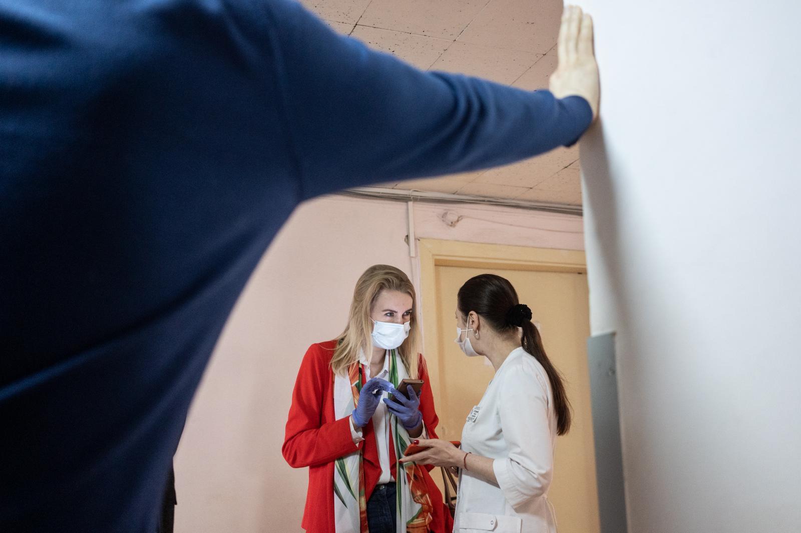 Photography image - Loading Volunteers_Ukraine_03.jpg