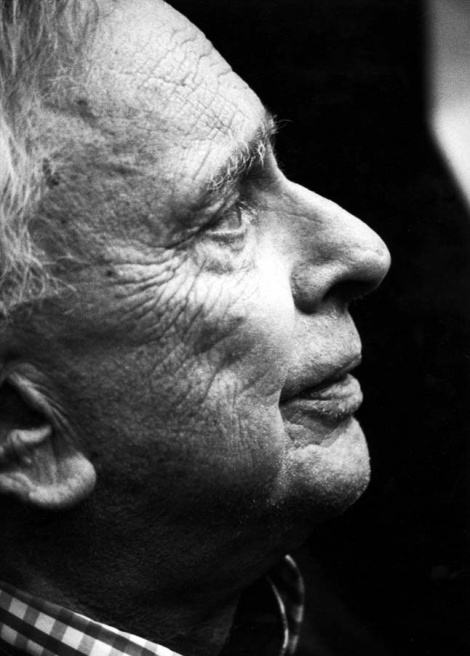 Gore Vidal _ speaks against the invasion- 2003