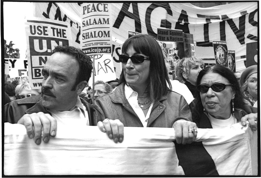 Angelica Huston demonstrates for peace