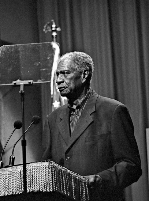 Ossie Davis reads the Constitution in NYC in one of his last public appearance - 2004