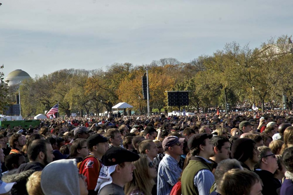 100,000 at Jon Stewart rally in Washington - 2010