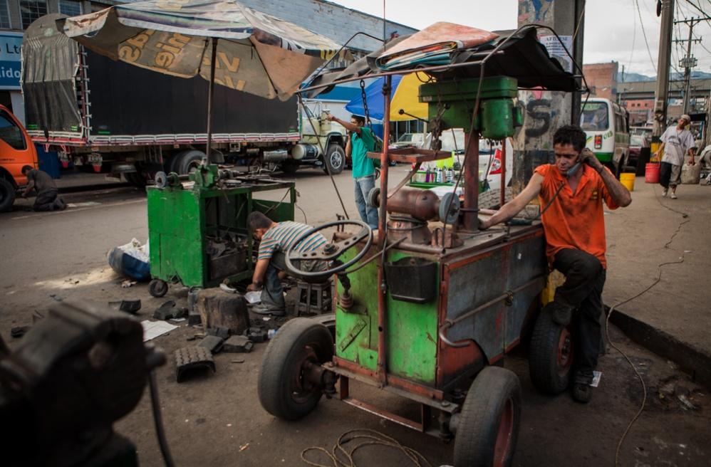 Art and Documentary Photography - Loading BarrioTriste-arrejuan-02.jpg