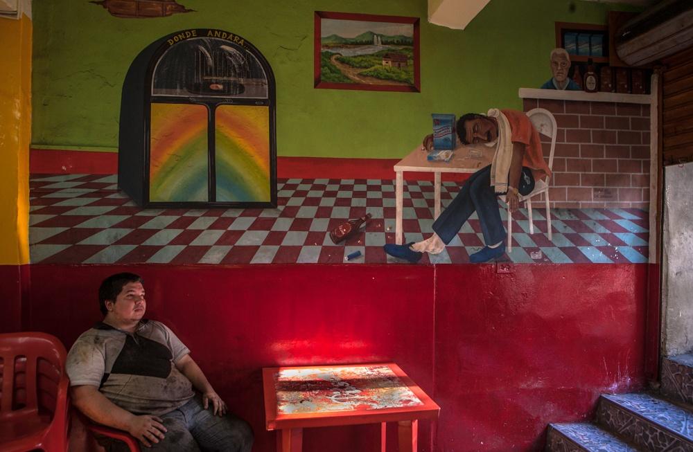 Art and Documentary Photography - Loading BarrioTriste-arrejuan-11.jpg