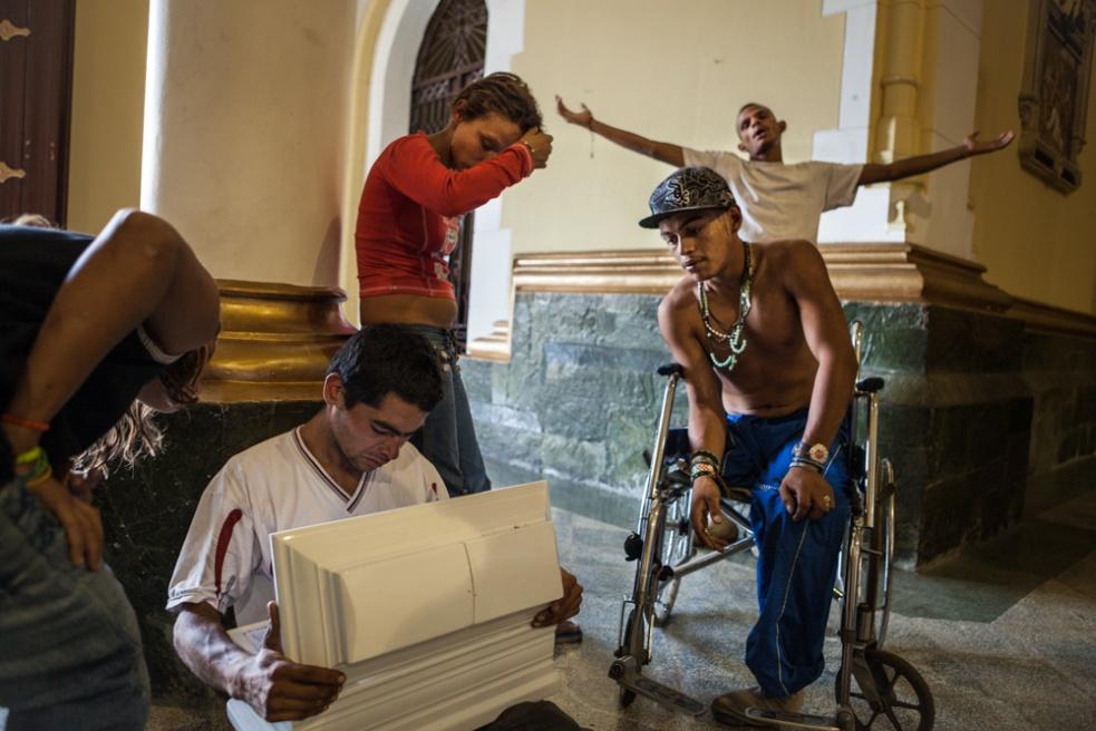 Art and Documentary Photography - Loading BarrioTriste-arrejuan-18.jpg