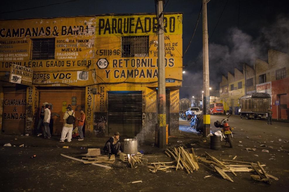 Art and Documentary Photography - Loading BarrioTriste-arrejuan-19.jpg