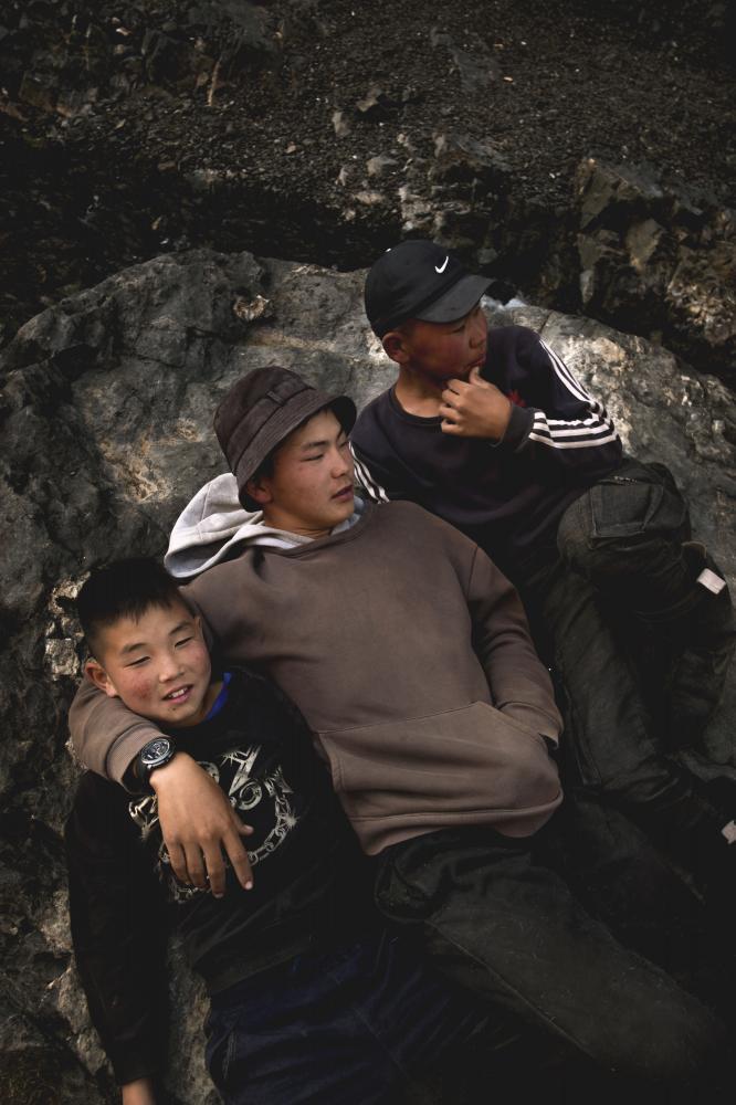 Giovani mongoli nella valle di Yollin Am. (Regione del Gobi. Mongolia, 2019) ©Simone Filpa