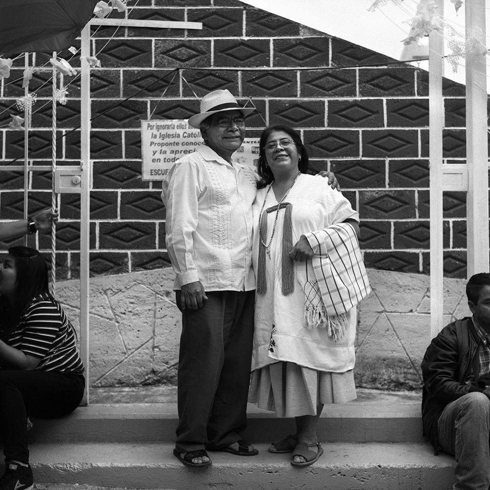 My uncle Lucas Ruiz and my aunt Ana Chino. Ana is a activist to preserve and teach zapotec to young generations, specially those raised far away from Yalalag. Cuautepec, Mexico City, 2018.