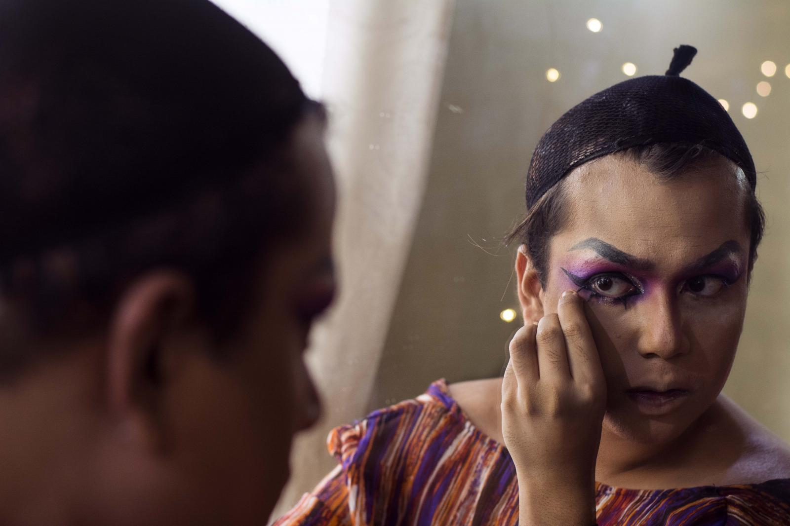 Photography image - Loading The_entire_makeup_is_done_by_the_drag_queen_herself_-_Rimi_Heart_2018_Nikon_A3_INR9000.jpg