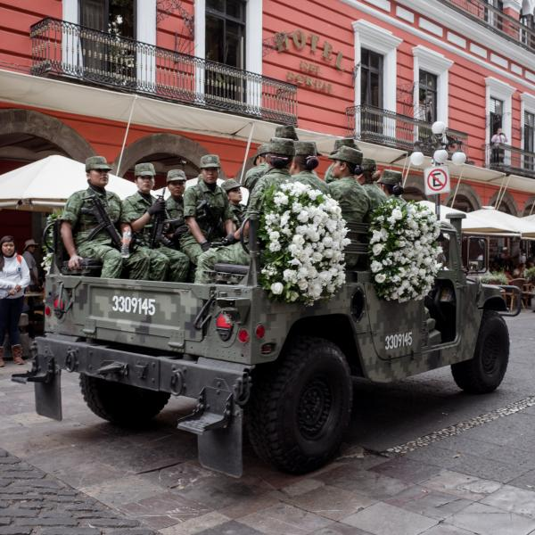 2019. Carmen Serdán remains are transported during a military ceremony in honor of the Serdán Siblings. Carmen was a fierce woman from Puebla that fought hard for her ideals, her participation during the Mexican Revolution was fundamental, and much of her work was done under a male nickname so she was able to carry it out.