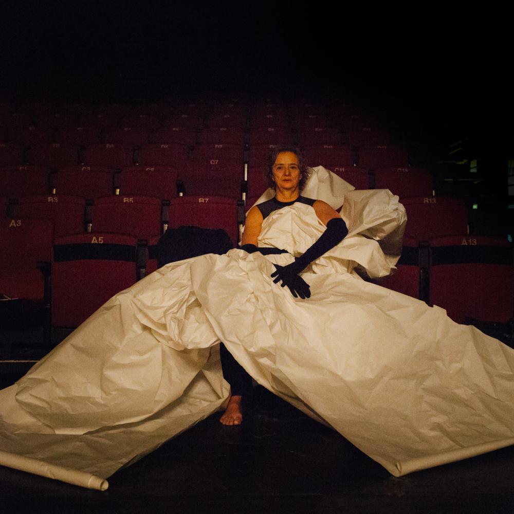 Mónica Runde, bailarina y coreógrafa / dancer and choreographer