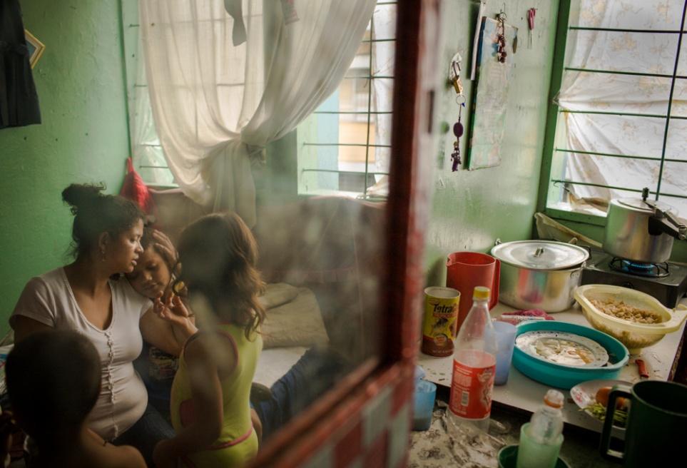 Art and Documentary Photography - Loading BarrioTriste-arrejuan-27.jpg