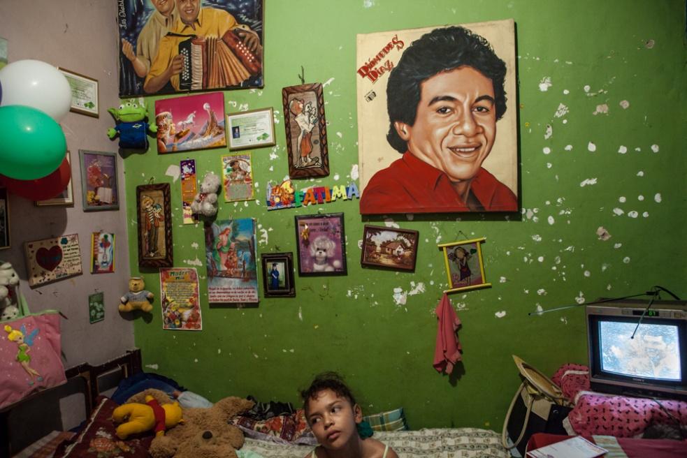 Art and Documentary Photography - Loading BarrioTriste-arrejuan-29.jpg