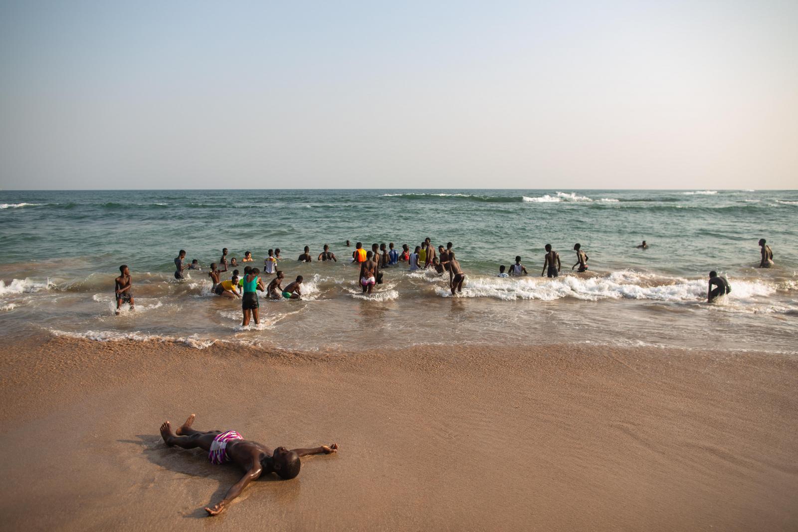 Photography image - Loading LIFE-ON-A-GHANAIAN-BEACH-NIPAH-DENNIS-GHANA02.jpg