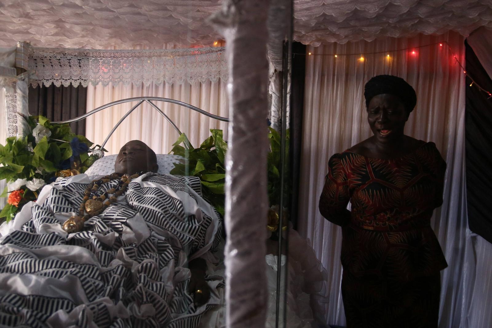 Photography image - Loading INTERMENT-NIPAH-DENNIS-GHANA-04.jpg