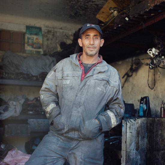 Rachid withdrew after the first picture, he wanted to be an Auxiliary Forces officer, but following his father's abandonment of his family, he was forced to start working to help his mother financially. He began to learn the trade of mechanic at 10 years of age.