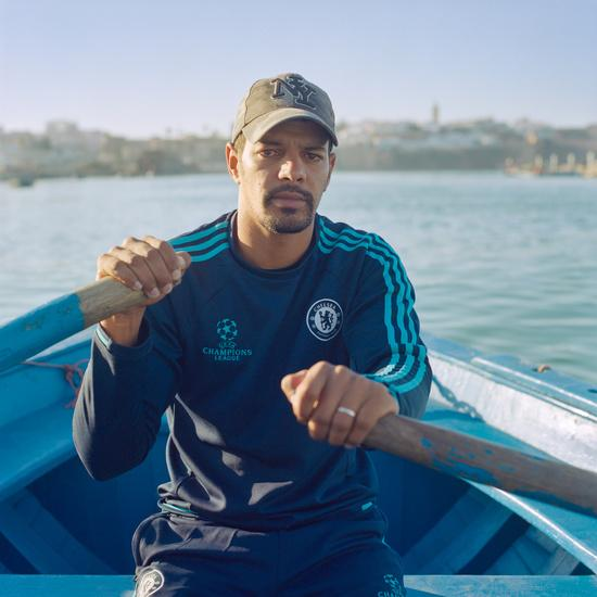 "Abdellah: ""I am a 'barcassier', I ensure the transport of people between the two banks of the Bouregreg, the crossing of the river which separates Rabat from Salé. Football requires to know powerful people and my family did not have much money. Afterwards, I got injured and could not make a career as a footballer. """
