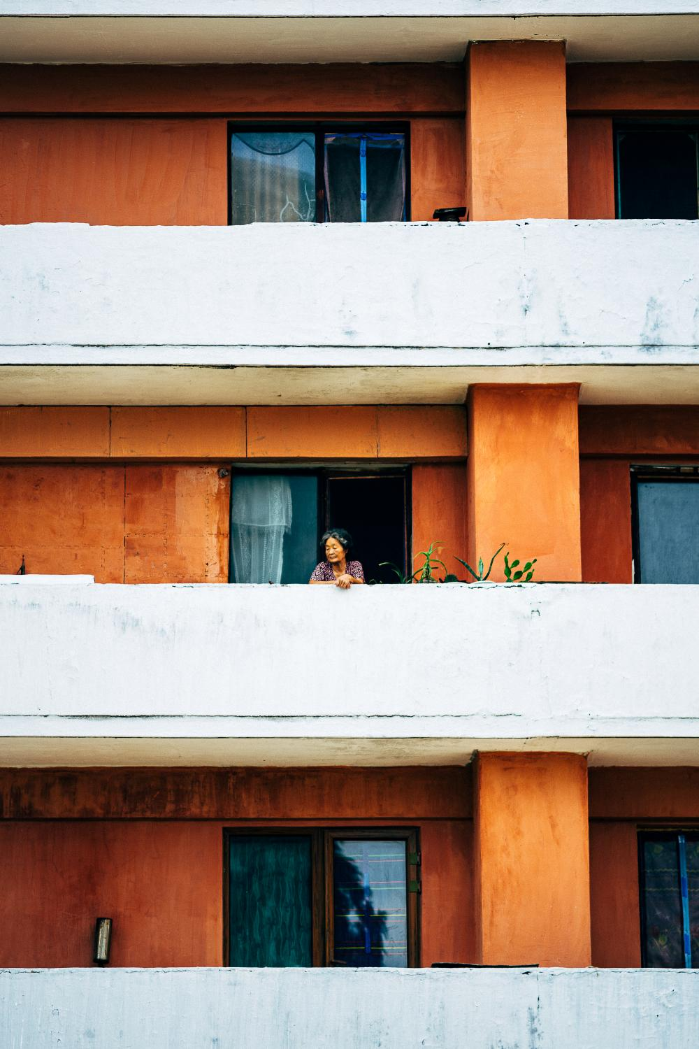 Art and Documentary Photography - Loading Joe_Hockley_Apartment_building__Pyongyang_North_Korea.jpg
