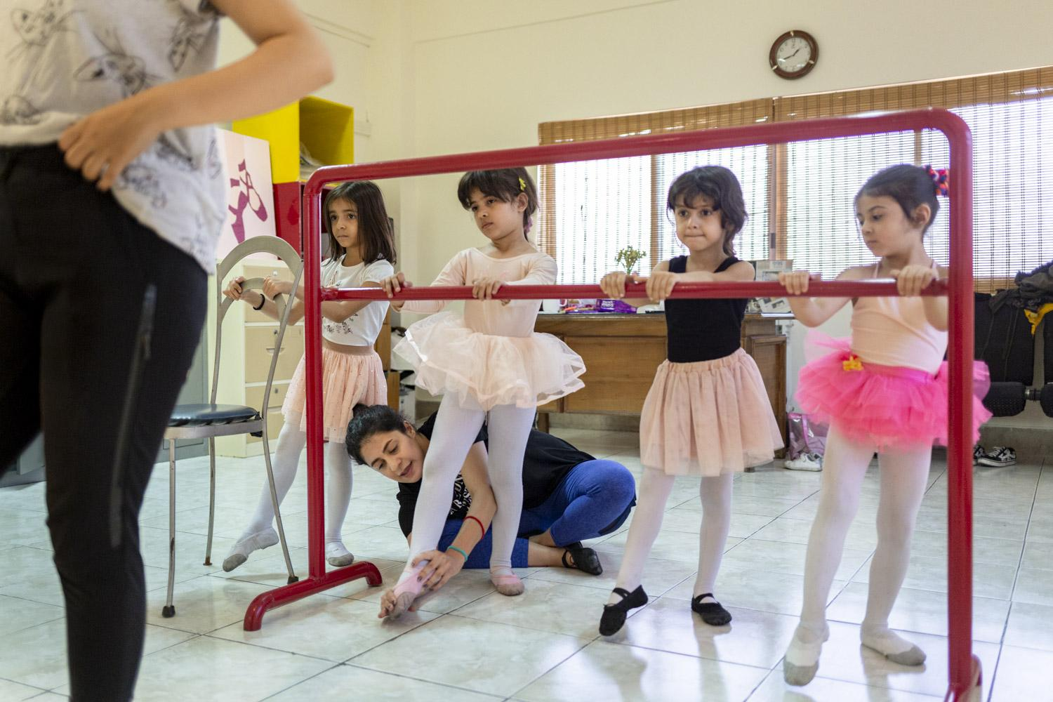 While 27% of Iranians below 25 years are unemployed, young dancers can work as dance instructors. Reyhaneh (22) teaches several times a week and mainly spends her income on dance lessons and travelling.