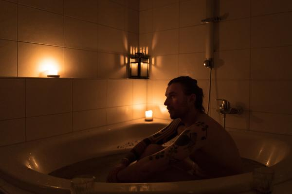 Nadja Wohlleben (@nadjawohlleben) is an independent photojournalist based in Berlin. My partner is taking a bath. Since we've been in quarantine, we're spending a lot of time in the bathtub. It feels cleansing, cosy and comforting. Berlin, Germany, March 24, 2020.