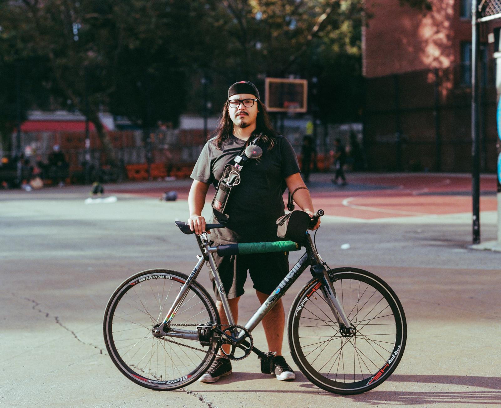Photography image - Loading bike-mess-52010006.JPG