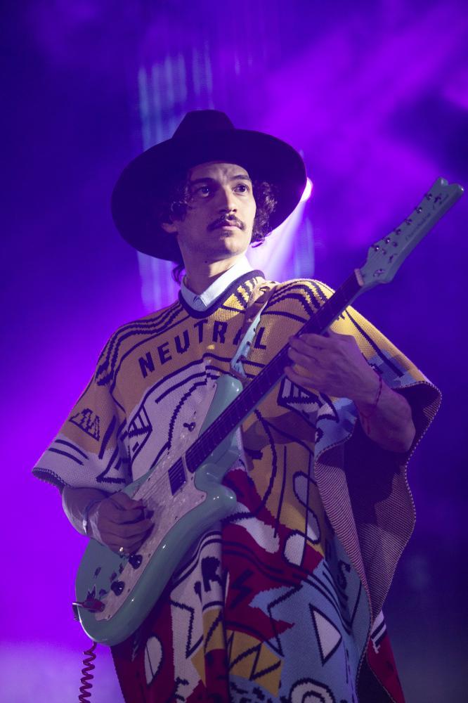 El mexicano Carlos Santana durante su presentación en el festival Cumbre Tajín 2015 en Papantla, Veracruz, México el 23 de Marzo del 2015. AFP PHOTO/Koral Carballo