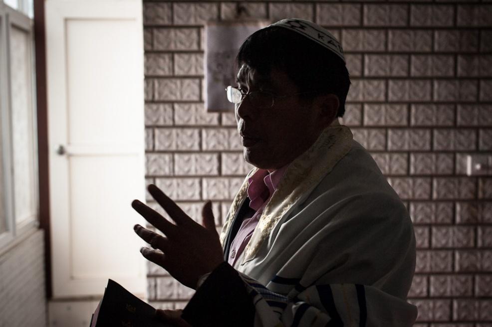 Art and Documentary Photography - Loading Fully Jewish Fully Chinese_JasonJia-5.jpg
