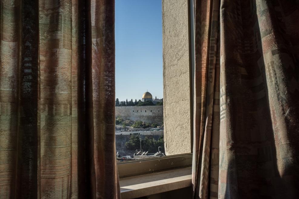 Art and Documentary Photography - Loading Fully Jewish Fully Chinese_JasonJia-13.jpg
