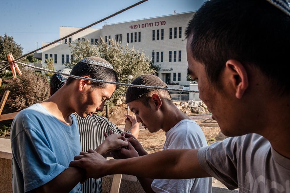 Art and Documentary Photography - Loading Fully Jewish Fully Chinese_JasonJia-23.jpg