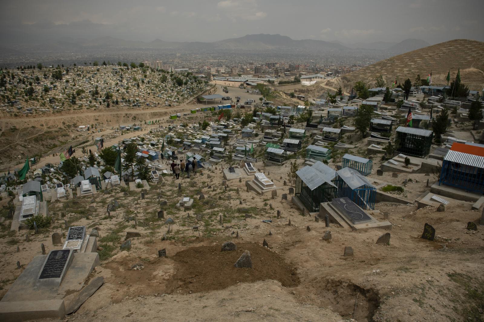 Photography image - Loading Hayeri_WaPo_MSFHospitalAttack_Kabul_0014.jpg