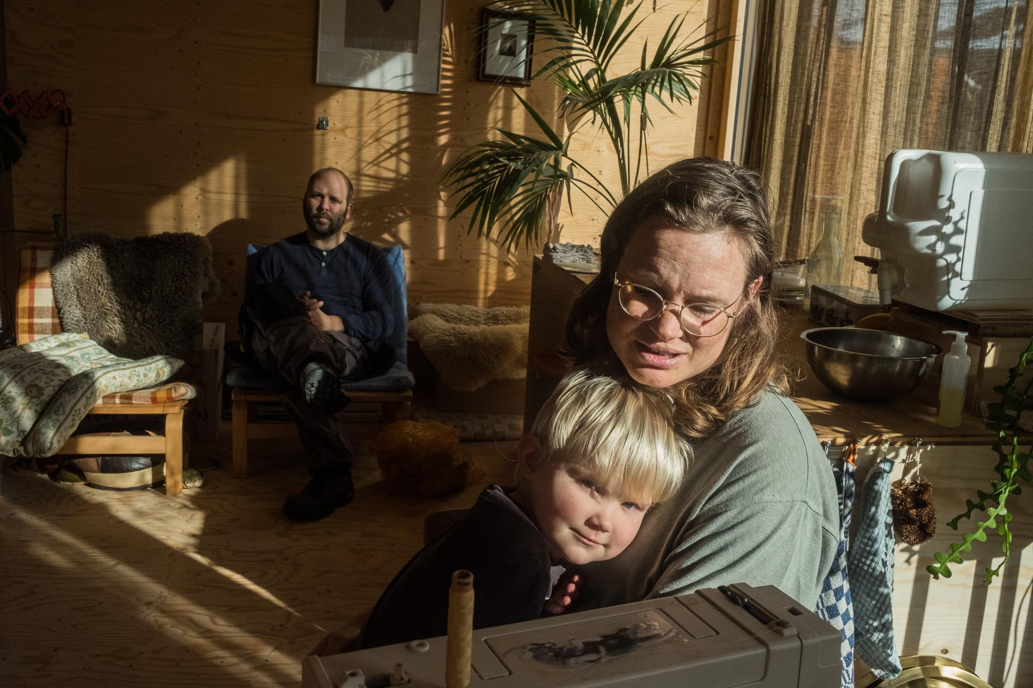 """Jurre Antonisse and Jasmijn Twilt live with their son in a Tiny House in Delft. Their choise for this life-style is driven by ecological reasons. """"Sometimes goals and means are swapped. People go for the cute and nice designs instead of focusing on less emissions and a sustainable future."""""""