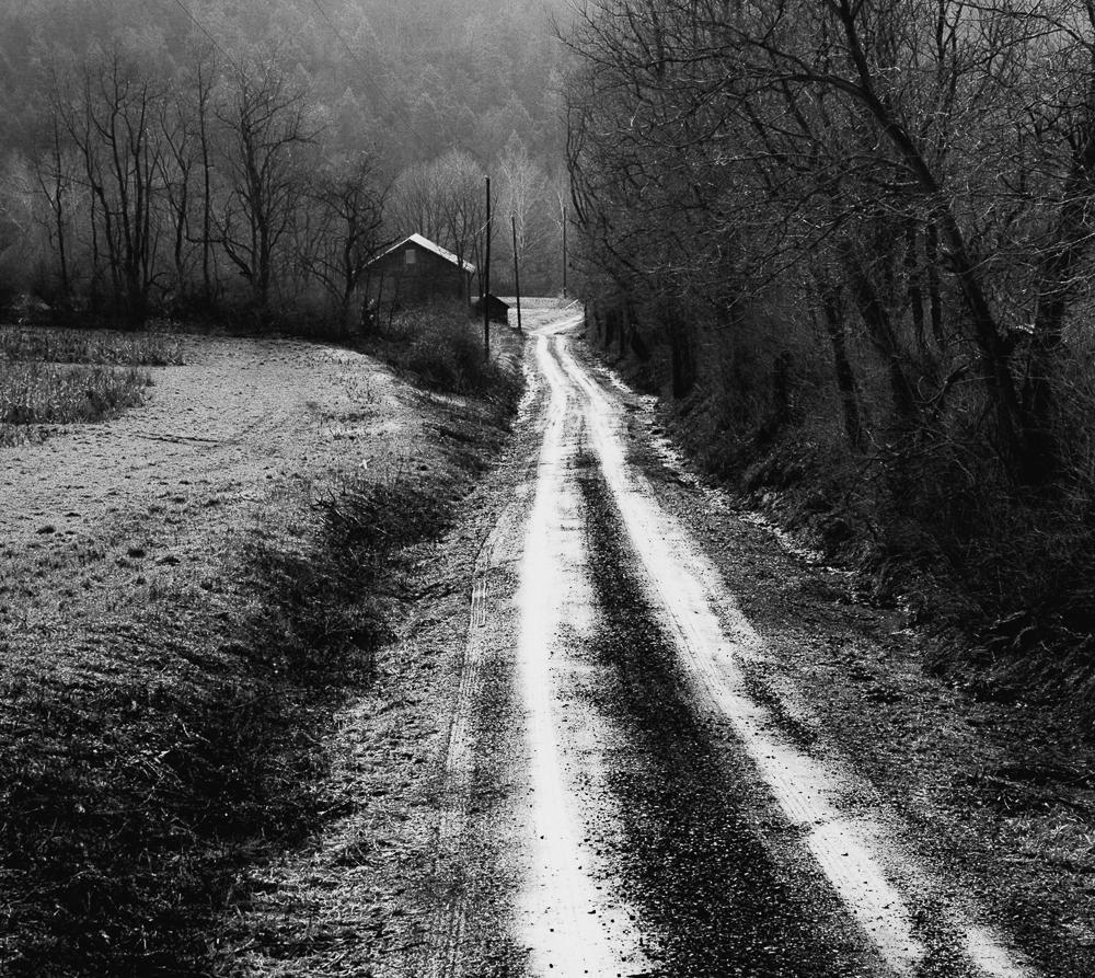 Farm Road, Mahantongo Valley