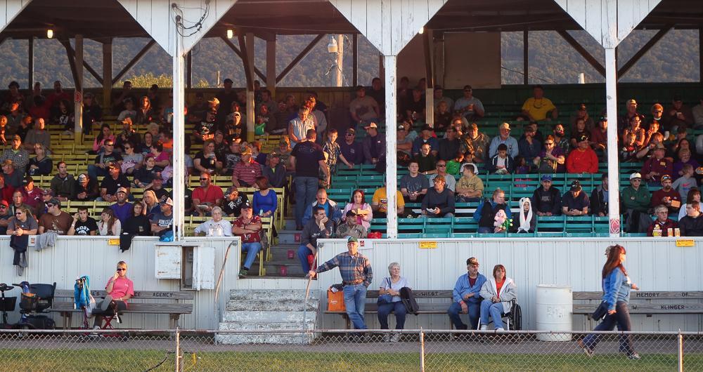 Spectators, Gratz Fair