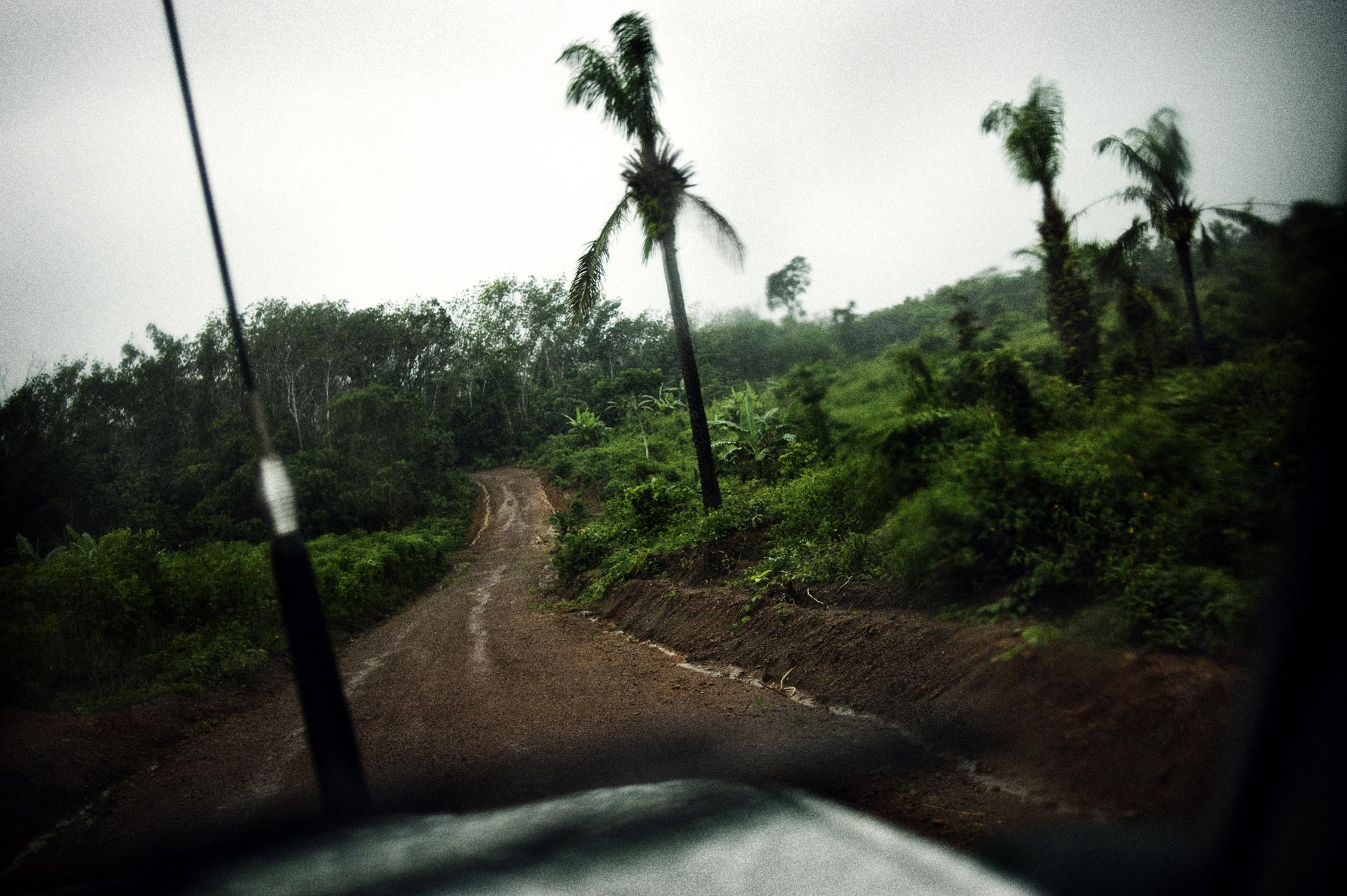 Liberia, Kingsville. October 2008. The road from Monrovia to Kingsville.