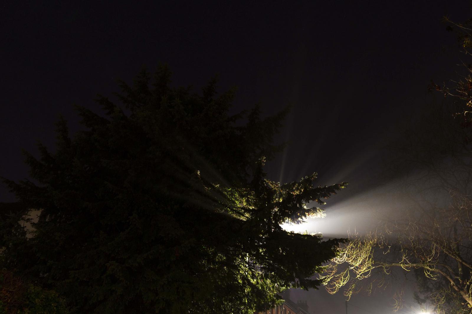 Photography image - Loading Reflection_of_light.jpg