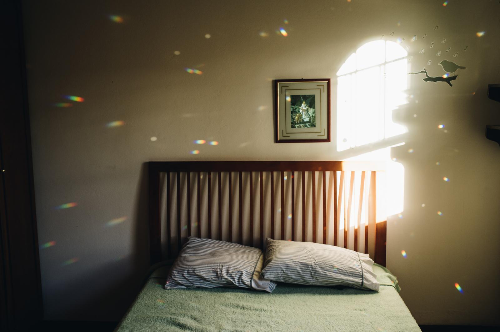 Bedroom in the afternoon. when the crystal shines through the window, chasing anything that brings up the spirit while waiting for Marco's biopsy result, all the family became more introspective and quieter. January 2018. Photo: Alinne Rezende