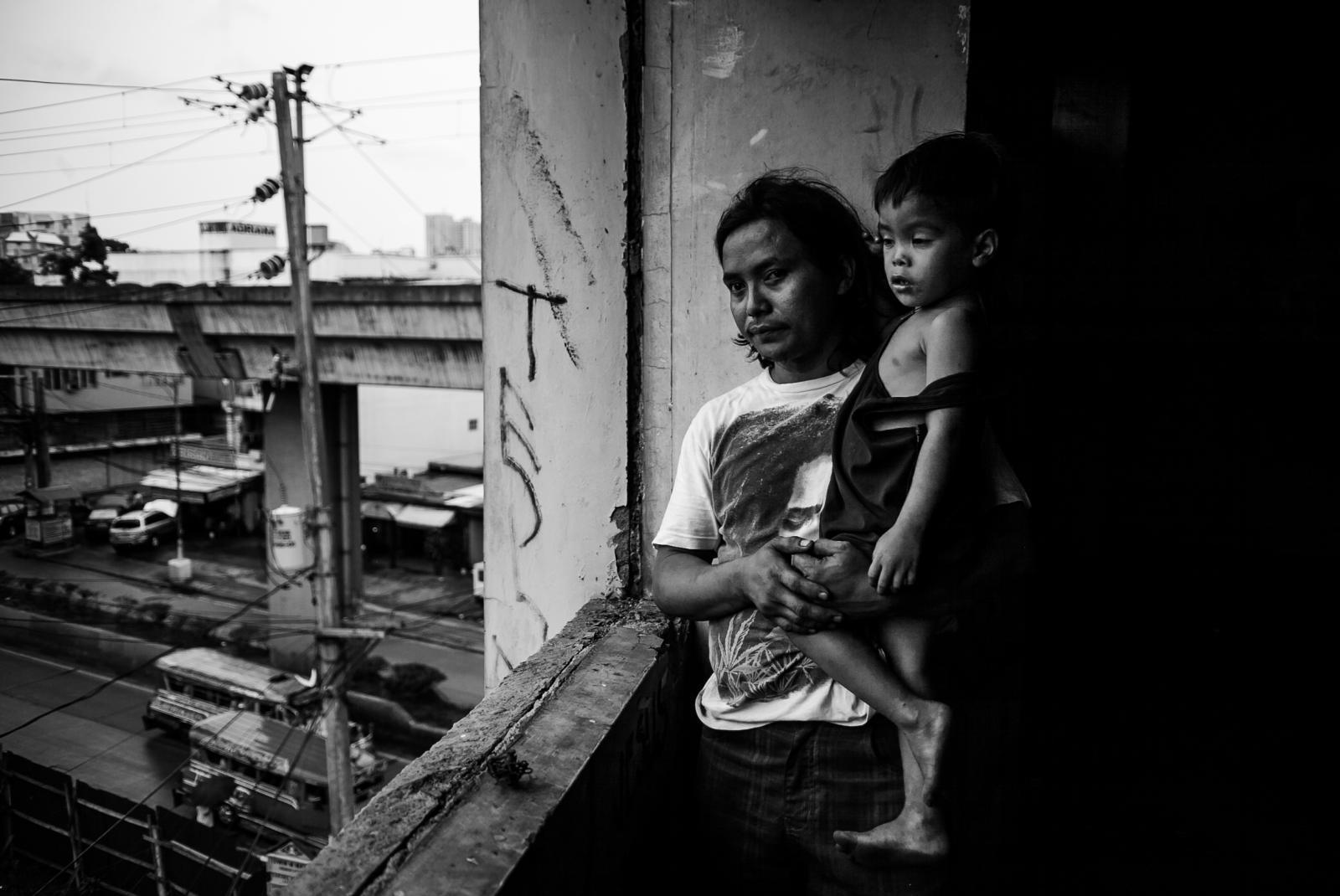 Photography image - Loading 2-11-12Poverty_In_Manila4439.JPG