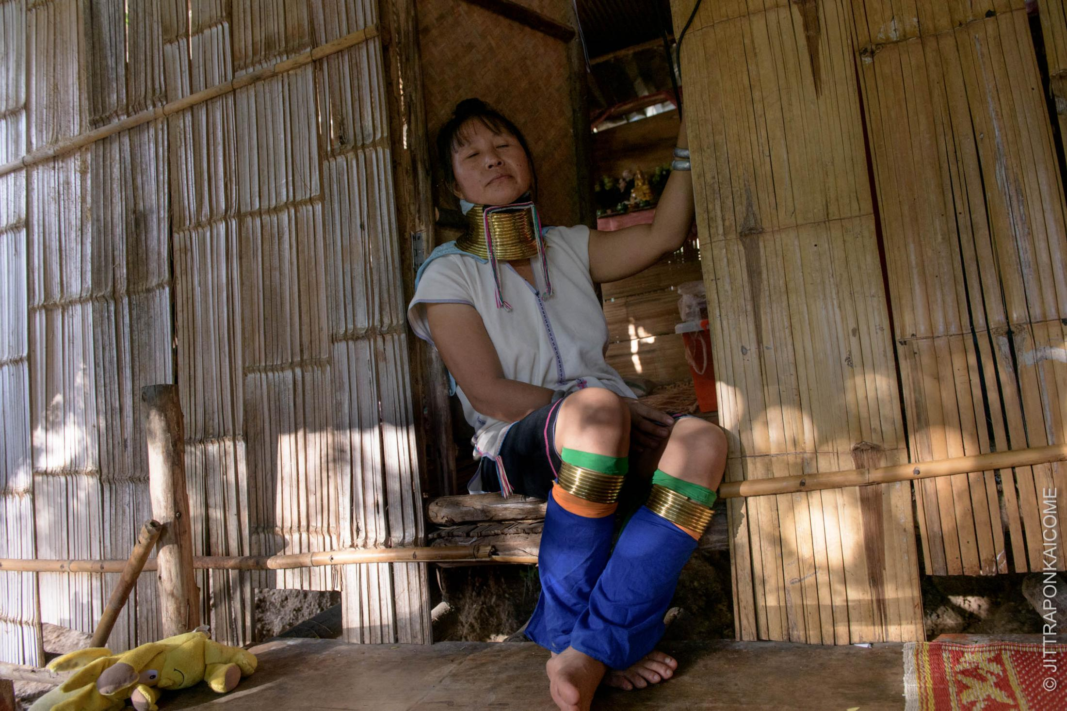 Ma Hao, a 41 years old Kayan woman lost her job and forced her to leave the village. She was lucky to have a place to rely on at another Karen Long Neck Village in Chiang Mai, Thailand.