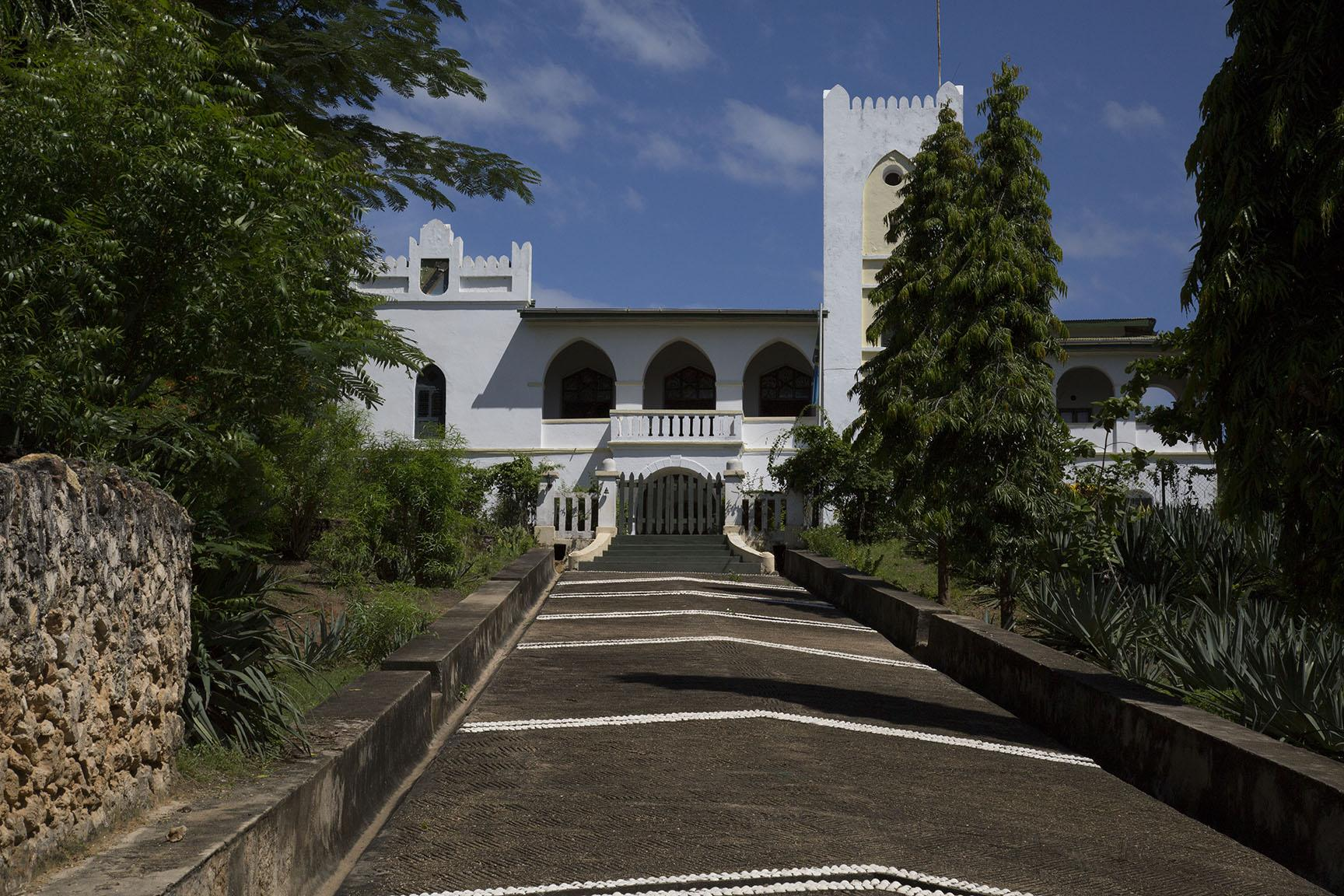 TANZANIA-ARCHITECTURE-HISTORY-FEATURE This picture taken on April 28, 2019 shows the Old Boma Hotel which was restored by the UK charity Trade Aid, originally built by Germans to be a fortress in 1895 in Mikindani, southern Tanzania. - Mikindani was once the centre of trade in southern Tanzania. The town was under German colonial rule trade in the late 19th century before the arrival of the British at the end of WWI. (Photo by SIMON LUYENGA/AFP)