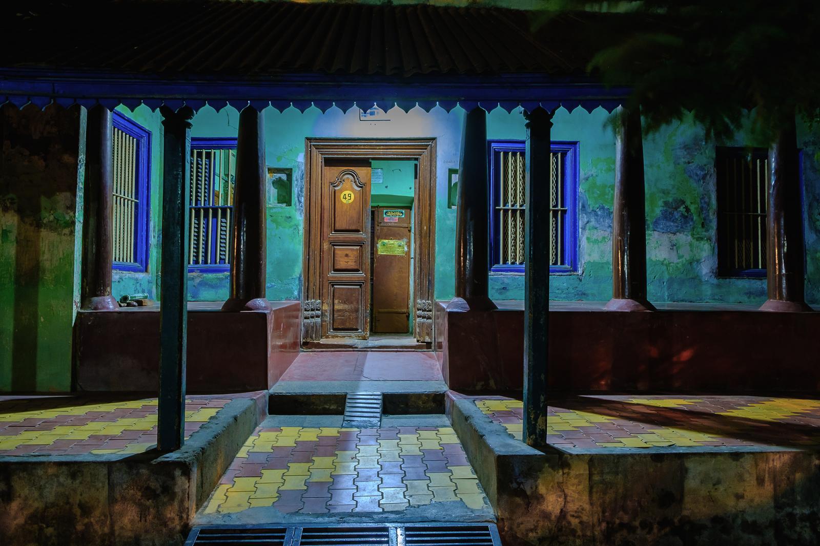 Photography image - Loading Tamil_Architecural_works__Thinnai_pondicherry__culture_tamil__Tamilnadu__Tamils_home._Vintage_design___mouhamed_moustapha__colours__thinnai14.jpg