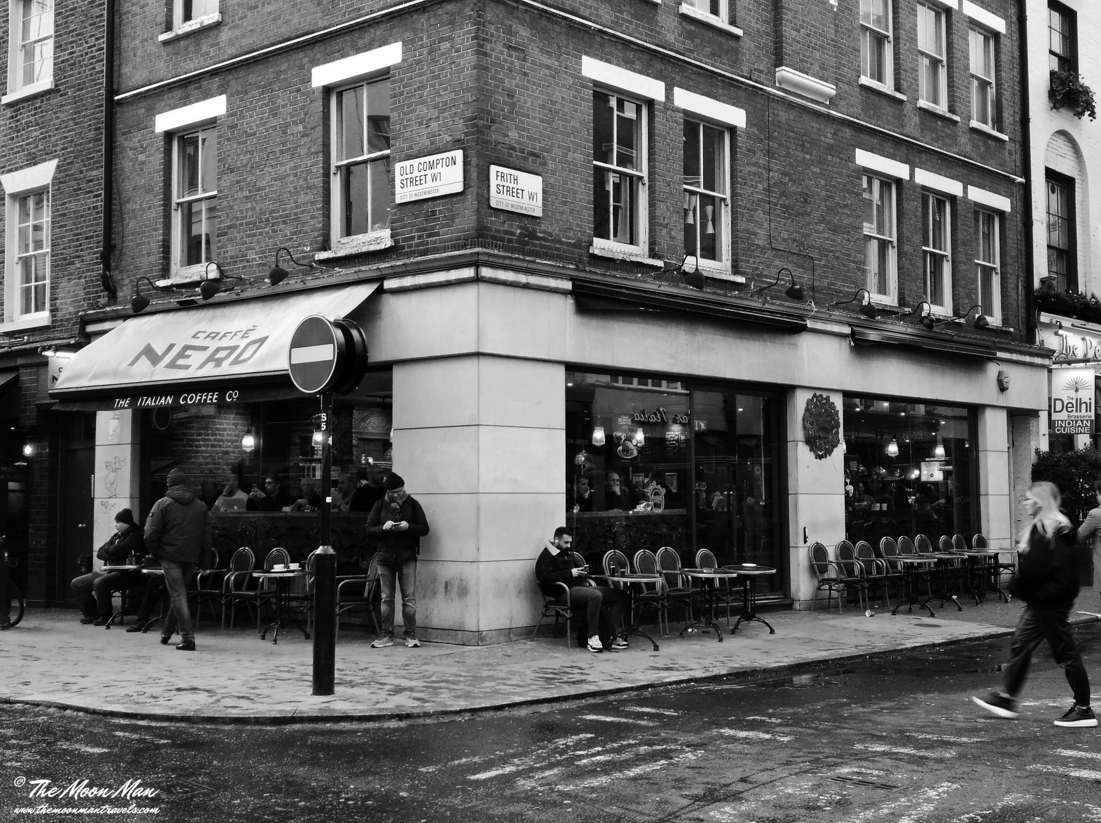 Art and Documentary Photography - Loading Cafe_Londres_b_w.jpg