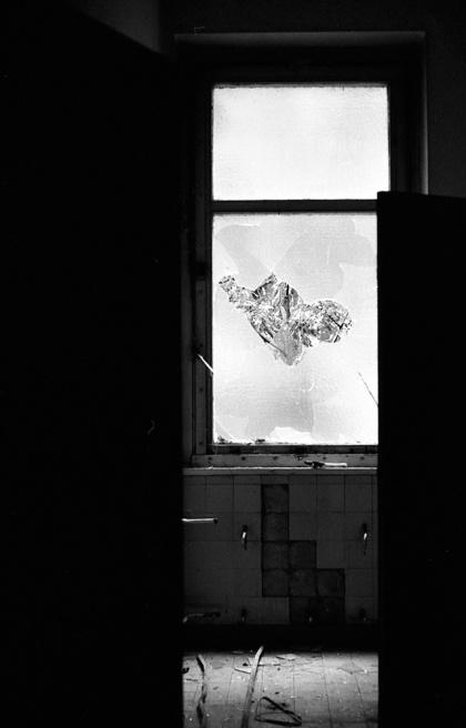 Art and Documentary Photography - Loading Neukolln_Child_hosp-02.jpg