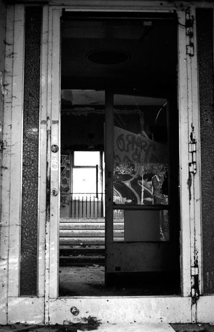 Art and Documentary Photography - Loading Neukolln_Child_hosp-03.jpg