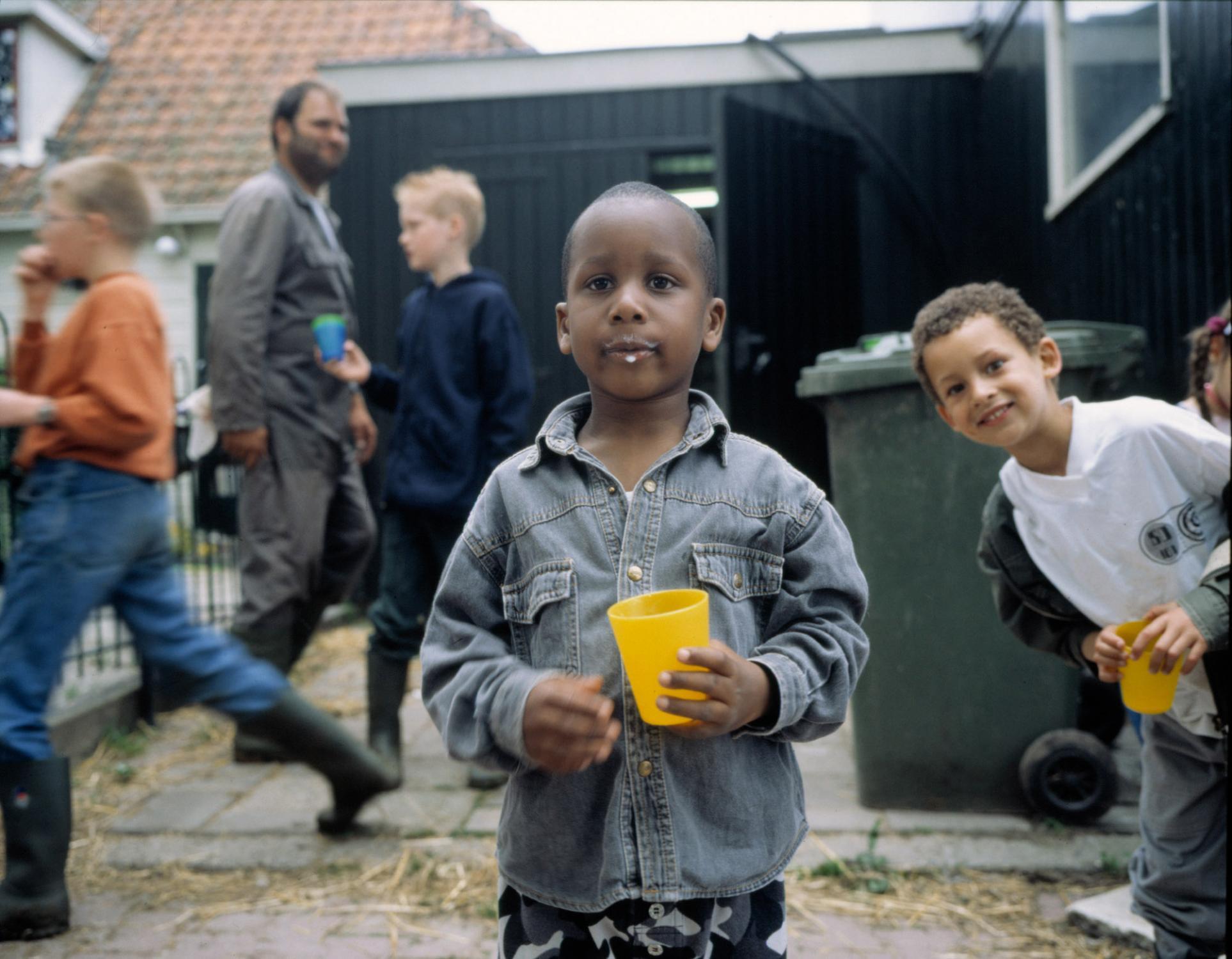 Fresh cow's milk. Zunderdorp, Noord-Holland, The Netherlands. May 1999.
