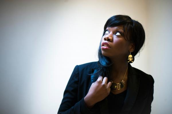 Black Barbie, singer for 20 Minutes