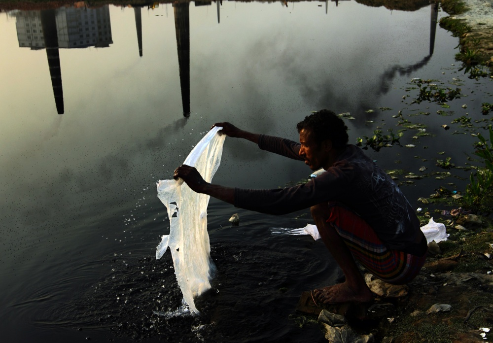 Photography image - Loading 02_Pollution_in_Bangladesh.jpg